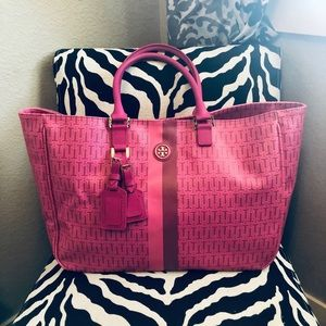EUC Tory Burch Roslyn Coated canvas tote- Pink